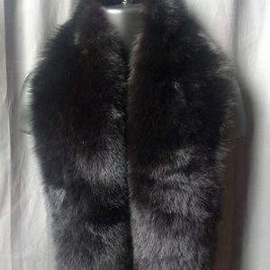 Mark Jacobs Accessories - Mark Jacob Black Fox Fur Stole Pre-owned